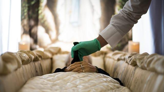 Obsèques, la grande confusion des soins de conservation