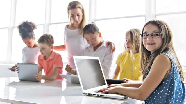 La Cour des comptes pointe l'inefficacité de la politique numérique éducative
