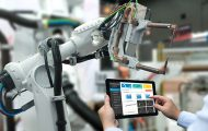 L'emploi à l'ère de l'intelligence artificielle : des robots et des hommes