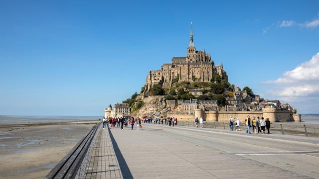 Tourisme : le Sénat permet aux maires de réguler l'hyper-fréquentation