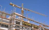 La construction de logements baisse encore en France en 2019, mais moins qu'en 2018