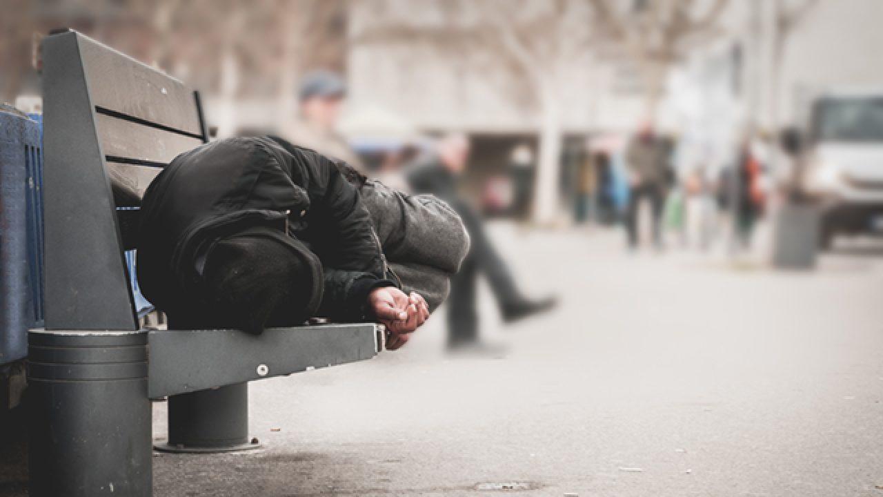 Les sans-domicile, de plus en plus souvent des personnes seules - Actualité  fonction publique territoriale