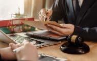 Quel est le contrôle du juge administratif sur une demande d'homologation d'une transaction ?