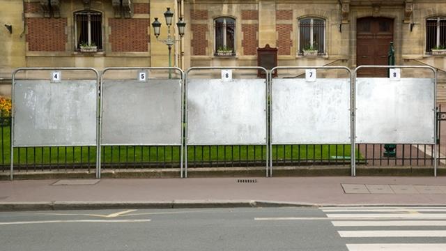 Campagnes électorales : le Sénat veut remédier au casse-tête des panneaux d'affichage