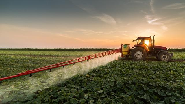 Épandage des pesticides : rejet du référé de la Coordination rurale