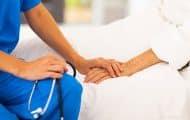 Une prime pour les soignants, une aide d'urgence pour les plus démunis