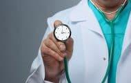 """Hôpital : Olivier Véran propose 300 millions d'euros pour les médecins, les syndicats """"déçus"""""""