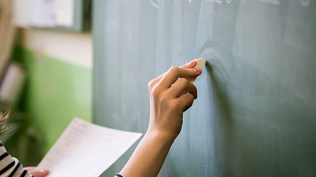 """Les négociations sur le salaire des professeurs vont reprendre d'ici """"fin juin"""", annonce Jean-Michel Blanquer"""