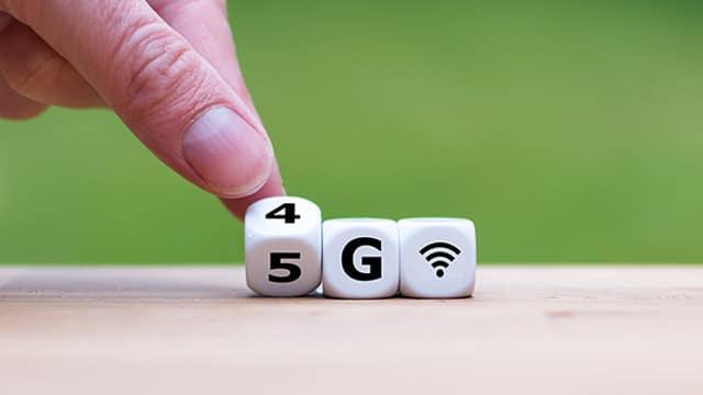 """Ondes/5G : """"pas d'effets néfastes"""" sous les valeurs recommandées, selon un rapport gouvernemental"""