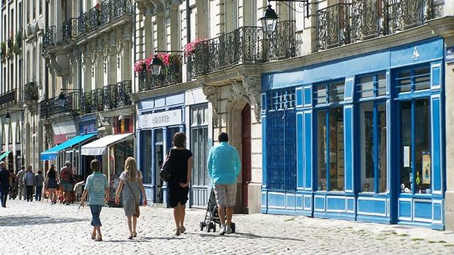 Banque des territoires : plan d'un milliard d'euros pour relancer les commerces de centres-villes