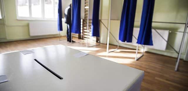 Covid-19 : une commission va étudier un éventuel report des élections régionales