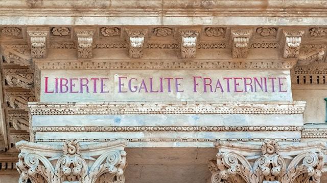 Le Congrès des Régions de France rend hommage au professeur assassiné