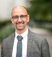 Luc Brunet, responsable de l'Observatoire SMACL des risques de la vie territoriale