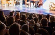"""Roselyne Bachelot réfléchit à un pass culture ramené à """"300 euros"""" et"""" réorienté"""""""
