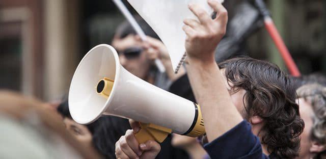 La CGT lance une campagne pour réclamer 500 000 emplois dans la fonction publique et une hausse des salaires