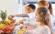 Écoles : le gouvernement veut largement redéployer les petits déjeuners gratuits