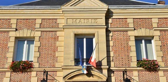 """Élus menacés : François Baroin appelle à des """"réponses adaptées"""" de la justice"""