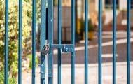 """Fermeture des écoles : """"la question doit être posée"""" estime François Baroin"""