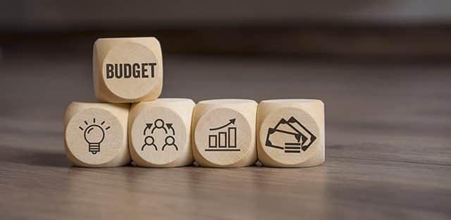 """Michel Bouvier : « Les fondamentaux des finances publiques ont été sérieusement bousculés par le """"quoiqu'il en coûte"""" » (2/2)"""