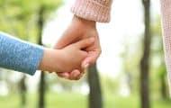 Un projet de loi pour améliorer le sort des enfants placés présenté en Conseil des ministres