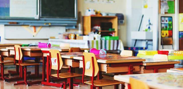 Covid-19 : un peu plus de 3 000 classes fermées, a indiqué Jean-Michel Blanquer