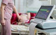 Hôpital : prime et hausses de salaires en janvier pour les sages-femmes