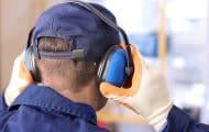 Près de la moitié des actifs gênés par le bruit au travail