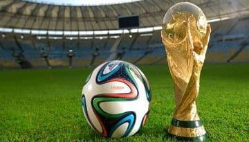 Fan-de-foot-pendant-le-Mondial-une-occupation-dangereuse