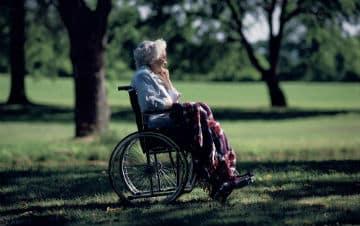 Comment-prevenir-la-souffrance-psychique-des-personnes-agees-en-etablissement