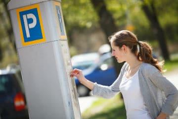 Un-guide-presente-les-avantages-de-la-decentralisation-du-stationnement