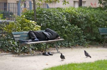 L-accueil-des-personnes-sans-abri-se-deteriore-fortement-l-ete