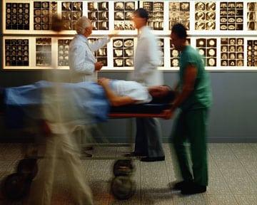 Quelle-est-la-responsabilite-du-chef-de-l-equipe-medicale