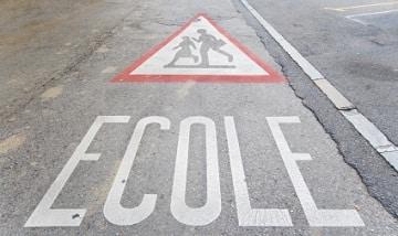 Les-associations-d-elus-prevoient-une-rentree-scolaire-2011-perturbee-et-difficile