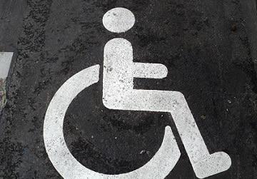 L-APF-dans-la-rue-pour-defendre-l-accessibilite