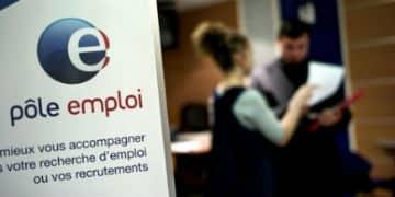 Des-emplois-d-avenir-pour-favoriser-l-insertion-des-jeunes-peu-qualifies