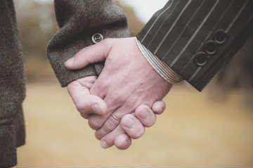 Le-mariage-des-couples-homosexuels-sur-les-rails