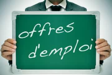 Une-loi-pourrait-modifier-le-recrutement-de-certains-contractuels