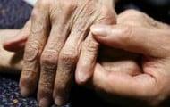 Un-guide-pour-les-familles-confrontees-a-la-maladie-d-Alzheimer