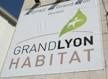 Grand-Lyon-Habitat-valorise-son-personnel-dans-des-livres-d-art